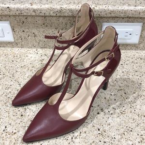 Nine West 11M two-tone Burgundy heels